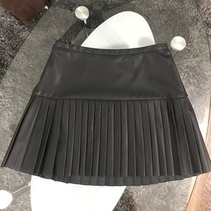 Express leather pleated skirt